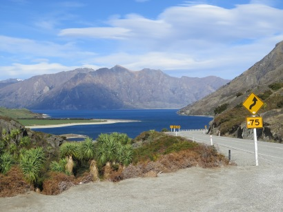 Driving around Lake Hawea