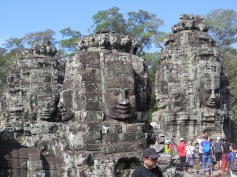 Giant heads at Bayon