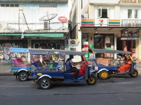 Tuktuks on Khao San Road