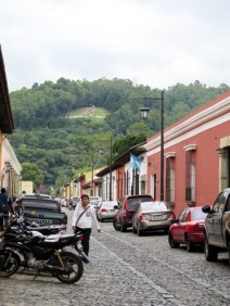 Walking to Cerro de la Cruz